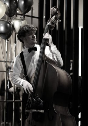 Bassist Jelmer de Haan Upright Gala New Years Eve